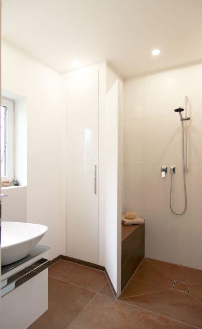 referenzen-badezimmer/zwei-raueme-fuer-die-gaeste | Stübler ...